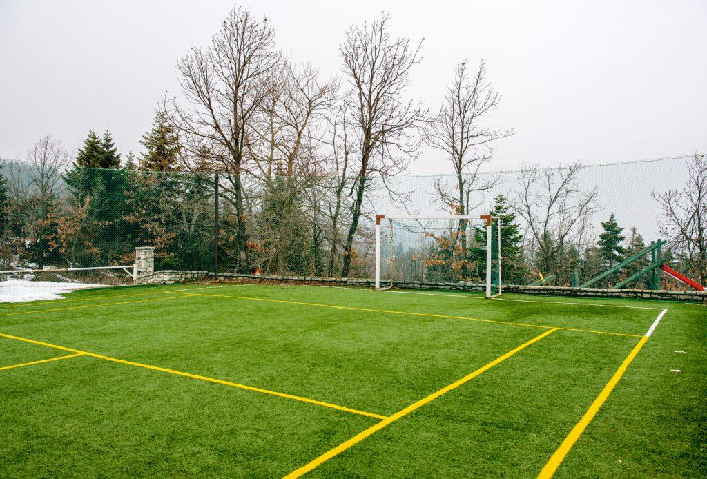 Wykonanie i montaż piłkochwytów na boisku w Rzeszowie