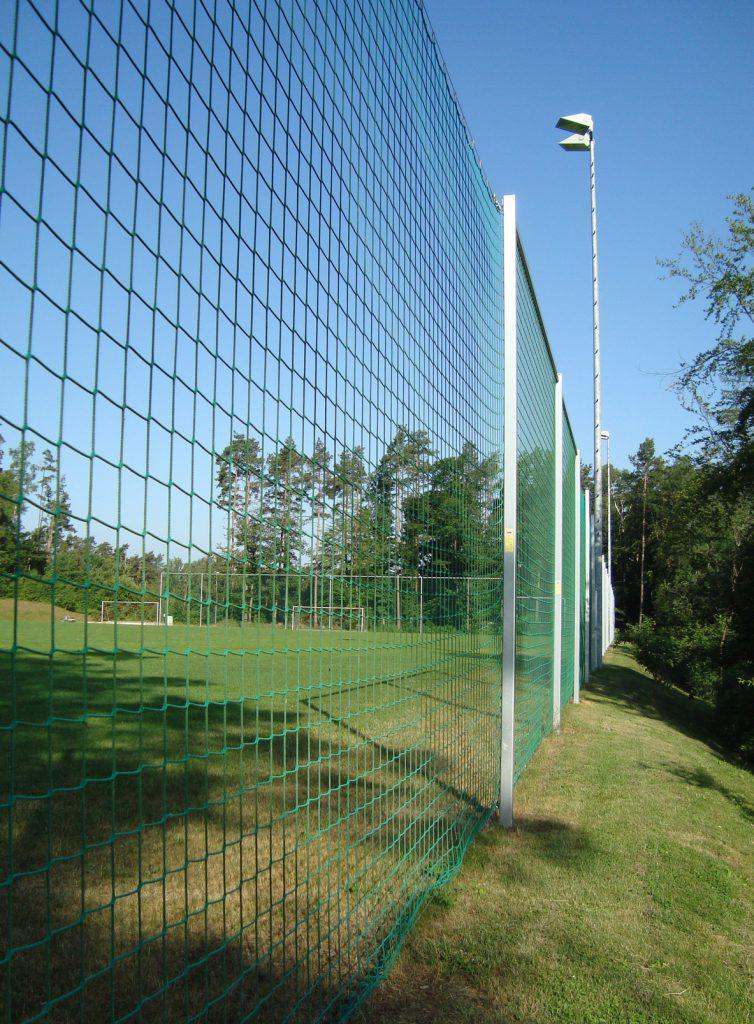 Wykonanie i montaż piłkochwytów i siatek sportowych w Warszawie