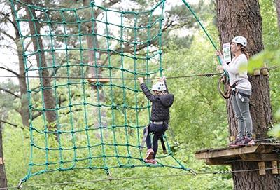 Wykonanie wytrzymałych siatek do parku linowego w Łodzi