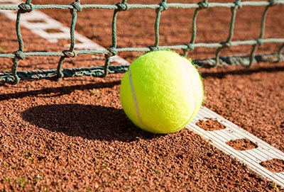 Trwałe i wodoodporne siatki sportowe na korty tenisowe Symar