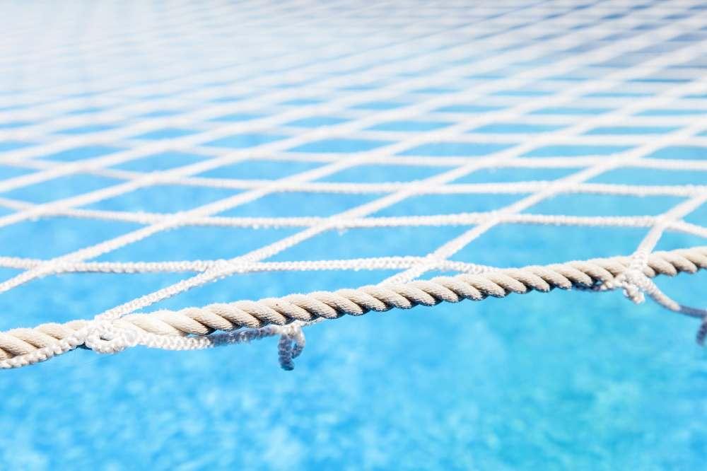 Wodoodporna siatka z polietylenu na basen i oczko wodne