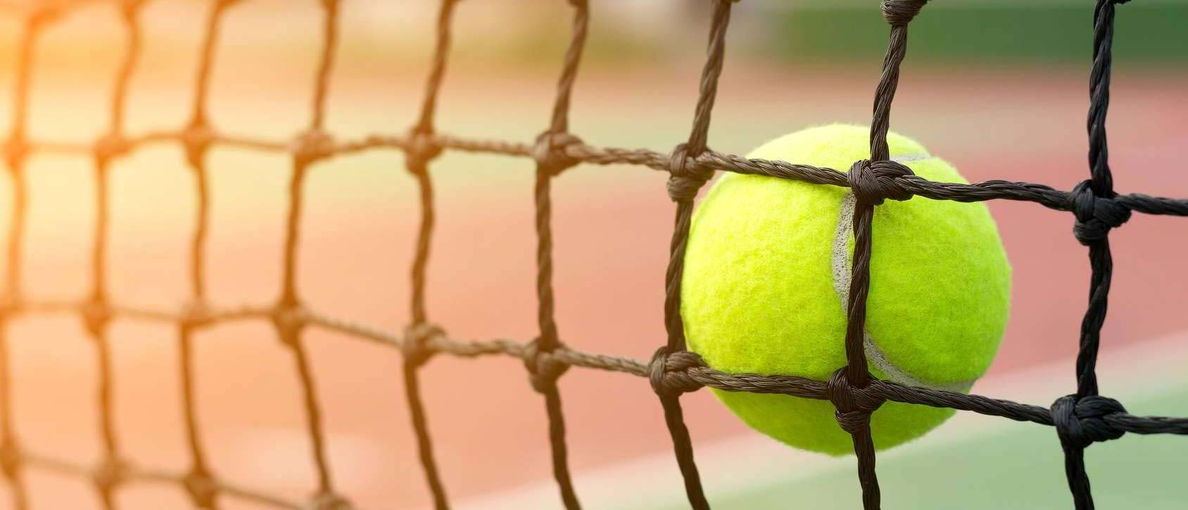 Wielosezonowe siatki sportowe na korty tenisowe od Symar